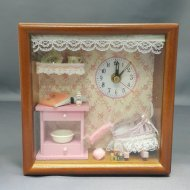 DOLLHOUSE CLOCK MEDIUM